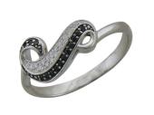 Кольцо Волна с черными и прозрачными фианитами, белое золото 585 пробы