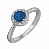 Кольцо с синим шпинелем (синтетическим рубином) и фианитами, белое золото