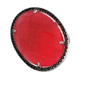 Кольцо с винным пластиком в обрамлении черных фианитов, серебро