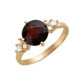 Кольцо с круглым гранатом огранки бриолет и фианитами, красное золото