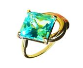 Золотое кольцо с крупной полудрагоценной вставкой квадратной формы
