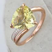 Кольцо с треугольным лимонным кварцем и фианитами из красного золота 585 пробы