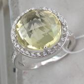 Кольцо с кварцем огранки Бриолет и фианитами из белого золота 585 пробы