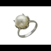 Кольцо с белым жемчугом из белого золота 585 пробы