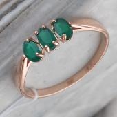Кольцо с тремя зелеными агатами из красного золота