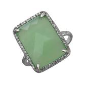 Кольцо с прямоугольным зеленым агатом и фианитами из серебра 925 пробы
