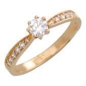 Кольцо с крупным бриллиантом в центре и дорожкой бриллиантов, красное золото