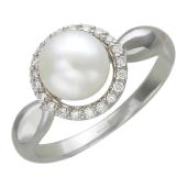 Кольцо с белым жемчугом в центре и бриллиантами вокруг, белое золото