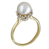 Кольцо с жемчугом и бриллиантами, желтое и белое золото