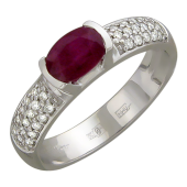 Кольцо с овальным сапфиром (рубином) и дорожкой бриллиантов, белое золото 750 проба
