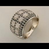 Кольцо с черными и прозрачными бриллиантами, белое золото 750 проба