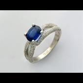 Кольцо с бриллиантами и овальным сапфиром, белое золото 750 пробы