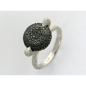 Кольцо с чёрными и прозрачными бриллиантами, белое золото 750 проба