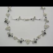 Колье Цветы с сапфирами и бриллиантами, белое золото 750 проба