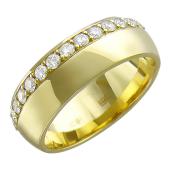 Кольцо обручальное с дорожкой бриллиантов, желтое золото