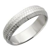 Кольцо обручальное с алмазными гранями в снежинку, серебро