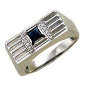 Мужское кольцо, сапфир квадрат в центре, бриллианты, по краям насечки, белое золото 585 проба