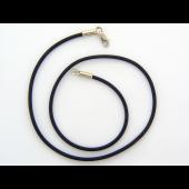 Колье с каучуком, белое золото, диаметр каучука 2.6мм
