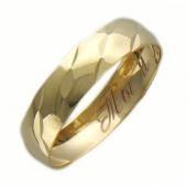 Кольцо обручальное с алмазной огранкой и гравировкой Ты и Я, желтое золото, 4 мм