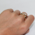Кольцо Флоренция, желтое золото, шинка узкая снизу, сверху фианита бриллиантовой  огранки