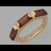 Кольцо с тремя прямоугольными топазами, красное золото