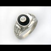 Кольцо мужское с фианитом и чёрной эмалью, серебро
