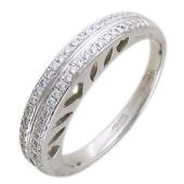 Кольцо с бриллиантами, торцевые вырезы в виде сердечек, белое золото