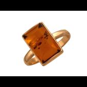 Кольцо с прямоугольным янтарем, красное золото