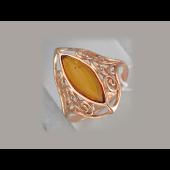 Кольцо-перстень с продолговатым янтарем, серебро с позолотой