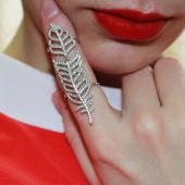 Кольцо фаланговое на весь палец Перо с фианитами, серебро
