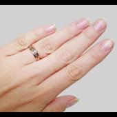 Кольцо обручальное со вставкой с алмазной огранкой из белого золота ширина шинки 4 мм
