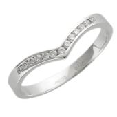 Кольцо с V-образной дорожкой бриллиантов, белое золото