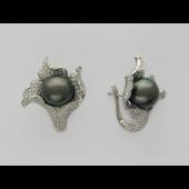Серьги Лилия с чёрным жемчугом и бриллиантами, белое золото