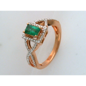 Кольцо с изумрудом Багет и бриллиантами, красное золото