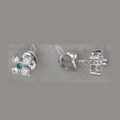 Серьги-пусеты с бриллиантами и изумрудами (сапфирами, рубинами), белое золото