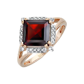 Кольцо с квадратным гранатом и фианитами, красное золото