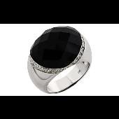 Кольцо с имитацией оникса и фианитами из серебра