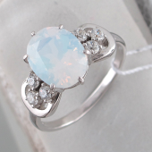 Кольцо с лунным опалом и фианитами, серебро
