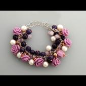 Браслет Розы с аметистами, жемчугом, кварцами, кораллом и пластиком, серебро