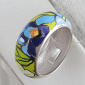 Кольцо Цветы эмалевое с зеленой, синей и голубой эмалью, серебро