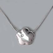 Колье Цветок с бриллиантом на цепочке снейк, серебро