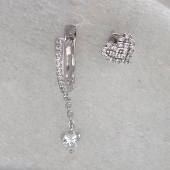 Серьги асиммитричные Сердце с фианитами, серебро