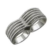 Кольцо на два пальца усыпано фианитами, серебро