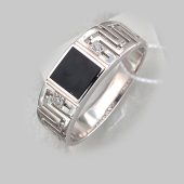Кольцо мужское с черным агатом и греческим рисунком, серебро