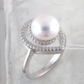 Кольцо Капля с жемчугом и фианитами из серебра