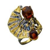 Кольцо с янтарем, серебро с позолотой и чернением