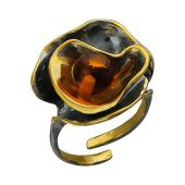 Кольцо открытое Цветок с янтарем, серебро с позолотой и чернением