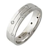 Обручальное кольцо, белое золото, 585 пробы, бриллиант, средняя шинка, две канавки на них бриллианты в шахматном порядке 4.8мм
