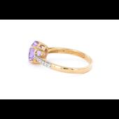 Кольцо с аметистом и фианитами, красное золото