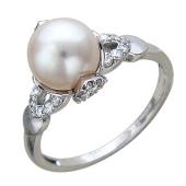 Кольцо с белым жемчугом и лепестками фианитов, белое золото